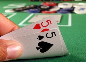 play_home_poker_tournaments_on_your_own_card_table